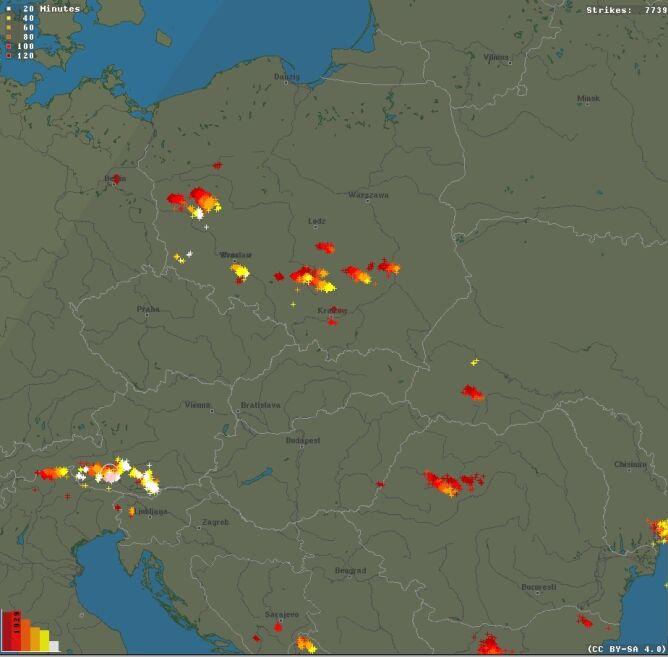 Ścieżka przechodzenia burz nad Polską (blitzortung.org)