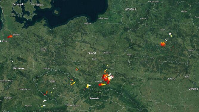 Grzmi na południu Polski. <br />Sprawdź, gdzie jest burza
