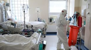 Ekspert o przyczynie dużej liczby zgonów na COVID-19